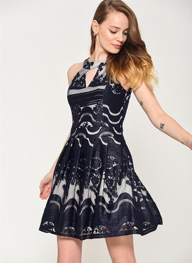 Loves You Kelepçe Yaka Dantel Varaklı Abiye Elbise